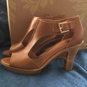 Sofft Dabney heels